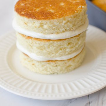 3 layer vanilla smash cake with vanilla buttercream filling.