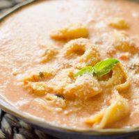 Instant Pot Creamy Tomato Tortellini Soup