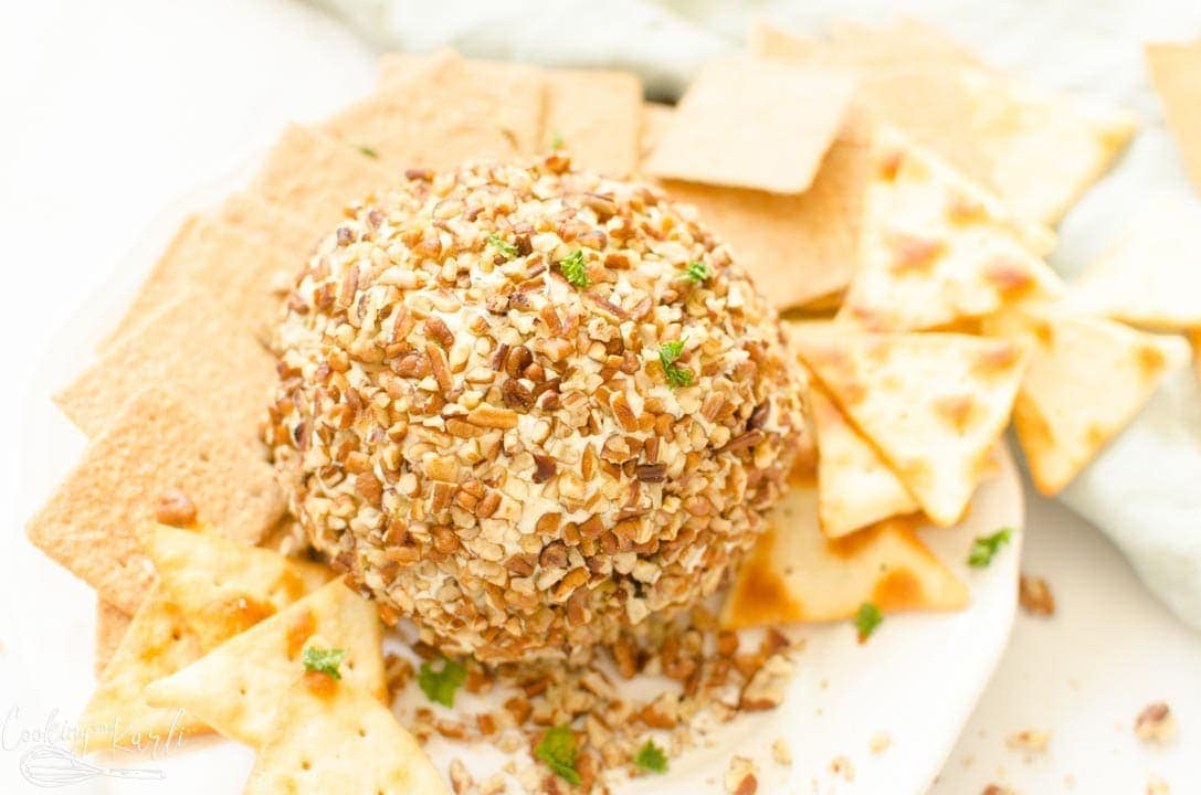 cheeseball finished and served