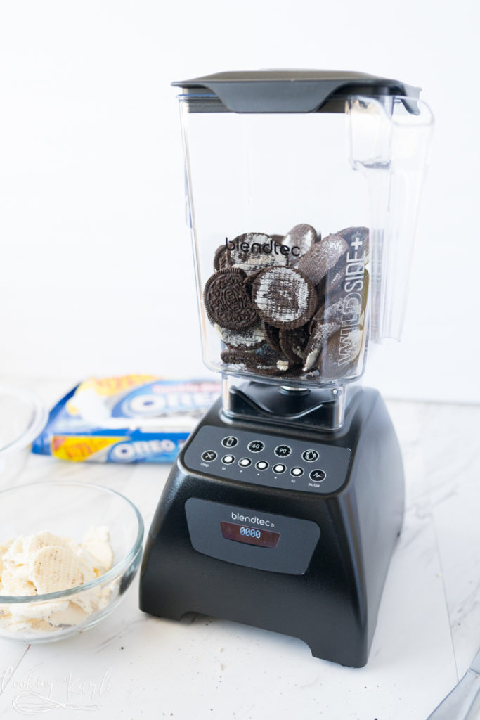 oreos in a blender for the cookies and cream muddy buddies