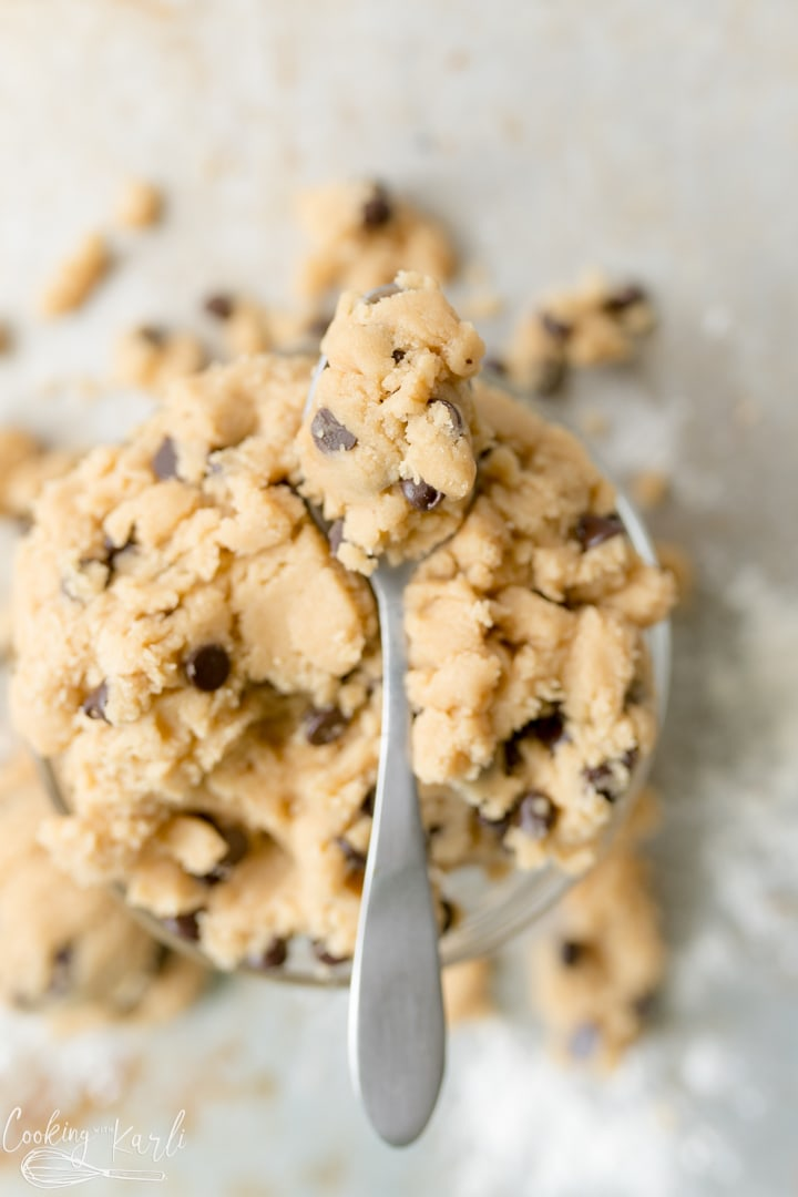 peanut butter cookie dough with chocolate chips