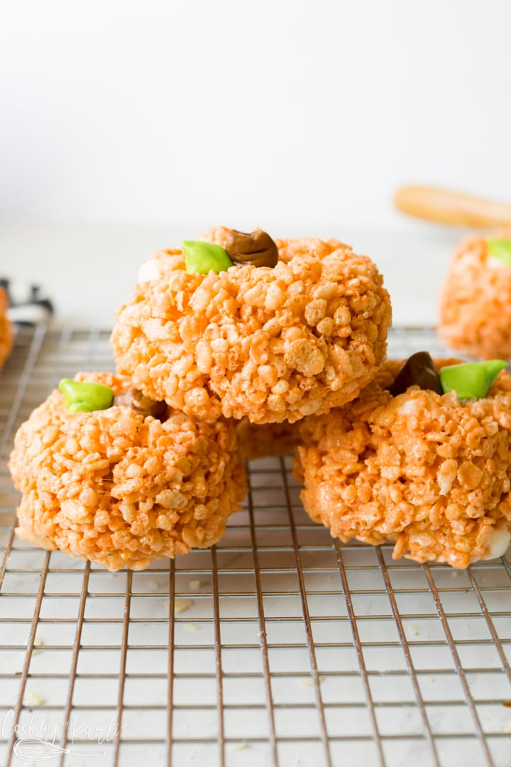 pumpkin shaped rice crispy treats