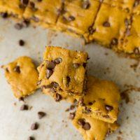 pumpkin chocolate chip cookie bars