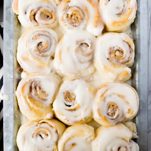 cinnamon rolls with buttercream cinnamon roll icing