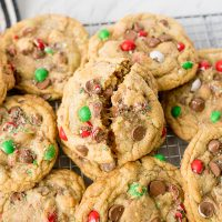 crumbl chocolate chip cookies for Christmas