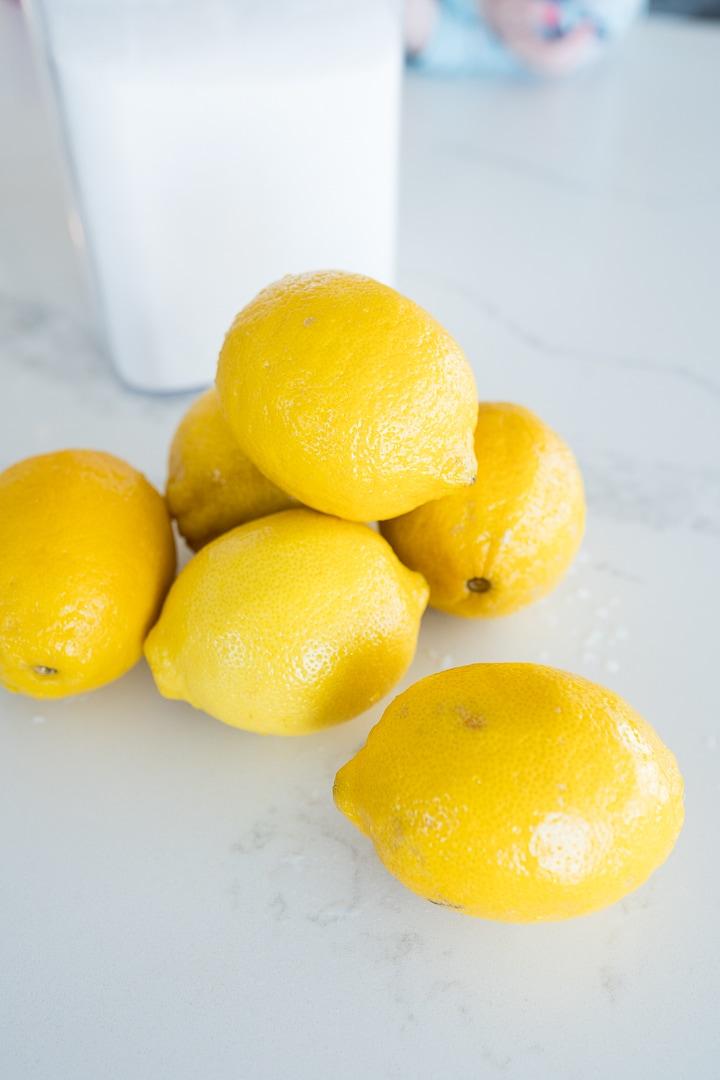 Lemons to make homemade lemonade