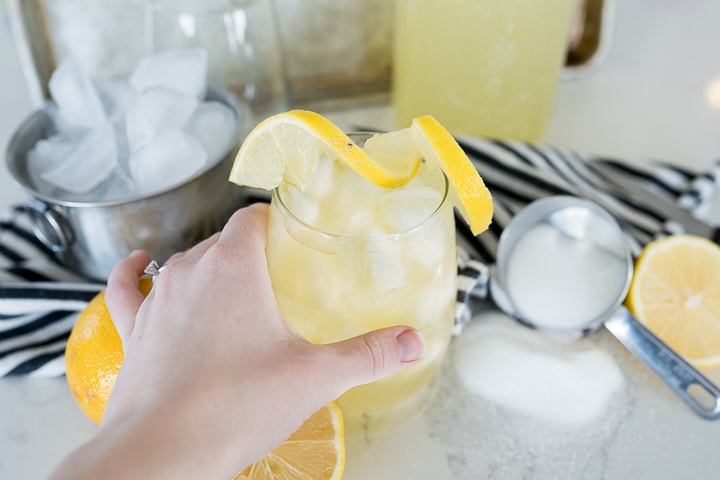 lemonade recipe, served in a cup