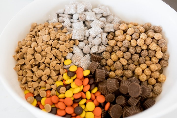 Reese's muddy buddy snack mix