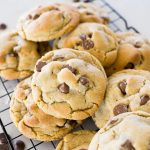 crumbl chocolate chip cookies