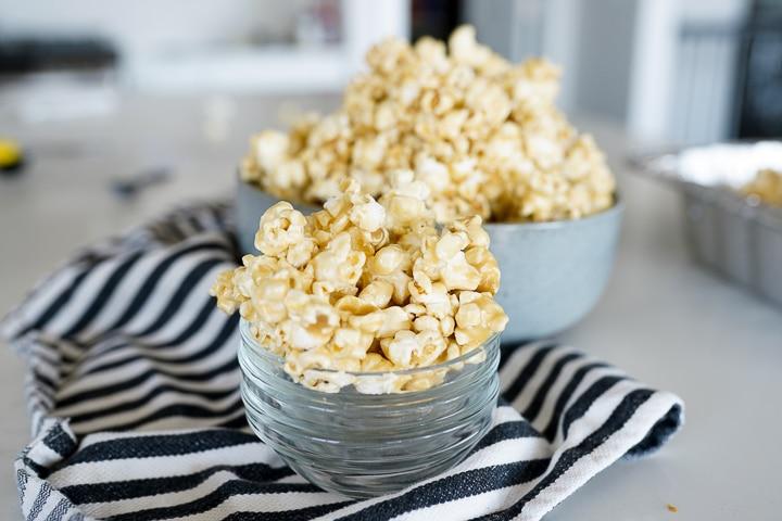 individual bowls of caramel corn