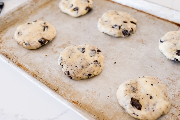 cookies and cream cookies on the pan before baking